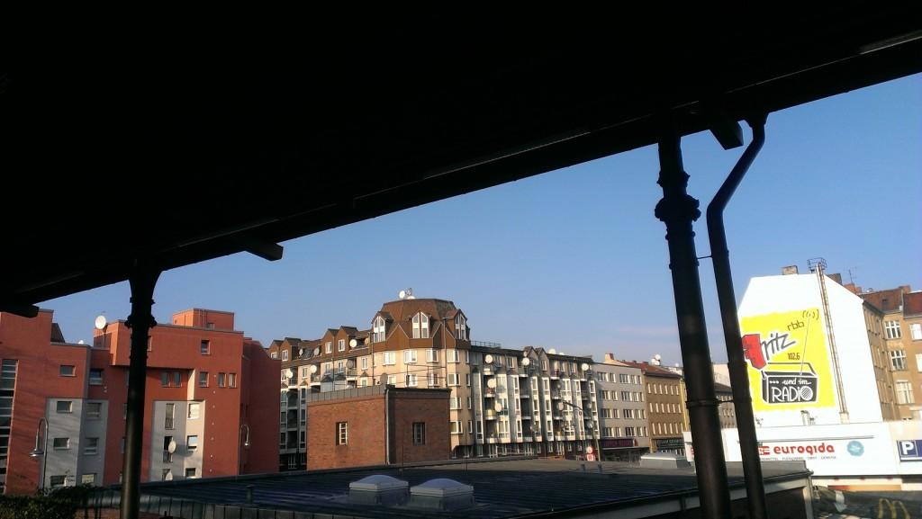 صورة خاطفة لأبنية برلين، إلتقطها وأنا في المترو أو الS-Bahn