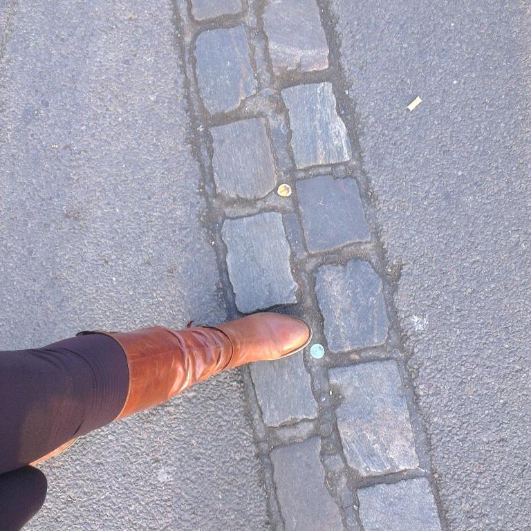 هنا بالضبط كان الجدار الفاصل بين البرلينتين