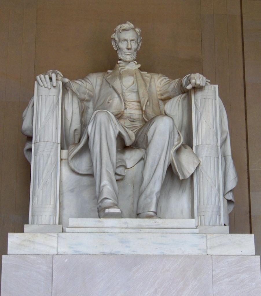 النصب التذكاري لأبراهام لينكولن، أب معركة إنعتاق السود في الولايات المتحدة. الصورة من فليكر لصاحبها جون هاسلام، منشورة تحت رخصة المشاع الإبداعي